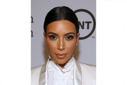 Kim Kardashian trucco: glowing make up