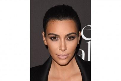 Kim Kardashian trucco: labbra chiarissime