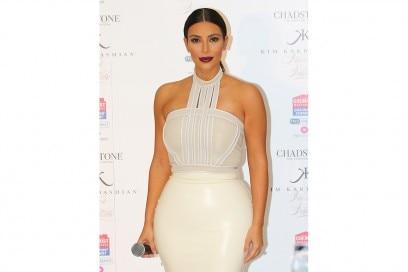 Kim Kardashian trucco: rossetto scuro