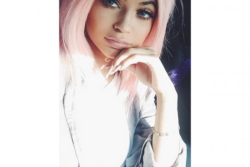 Kylie Jenner capelli: baby pink long bob