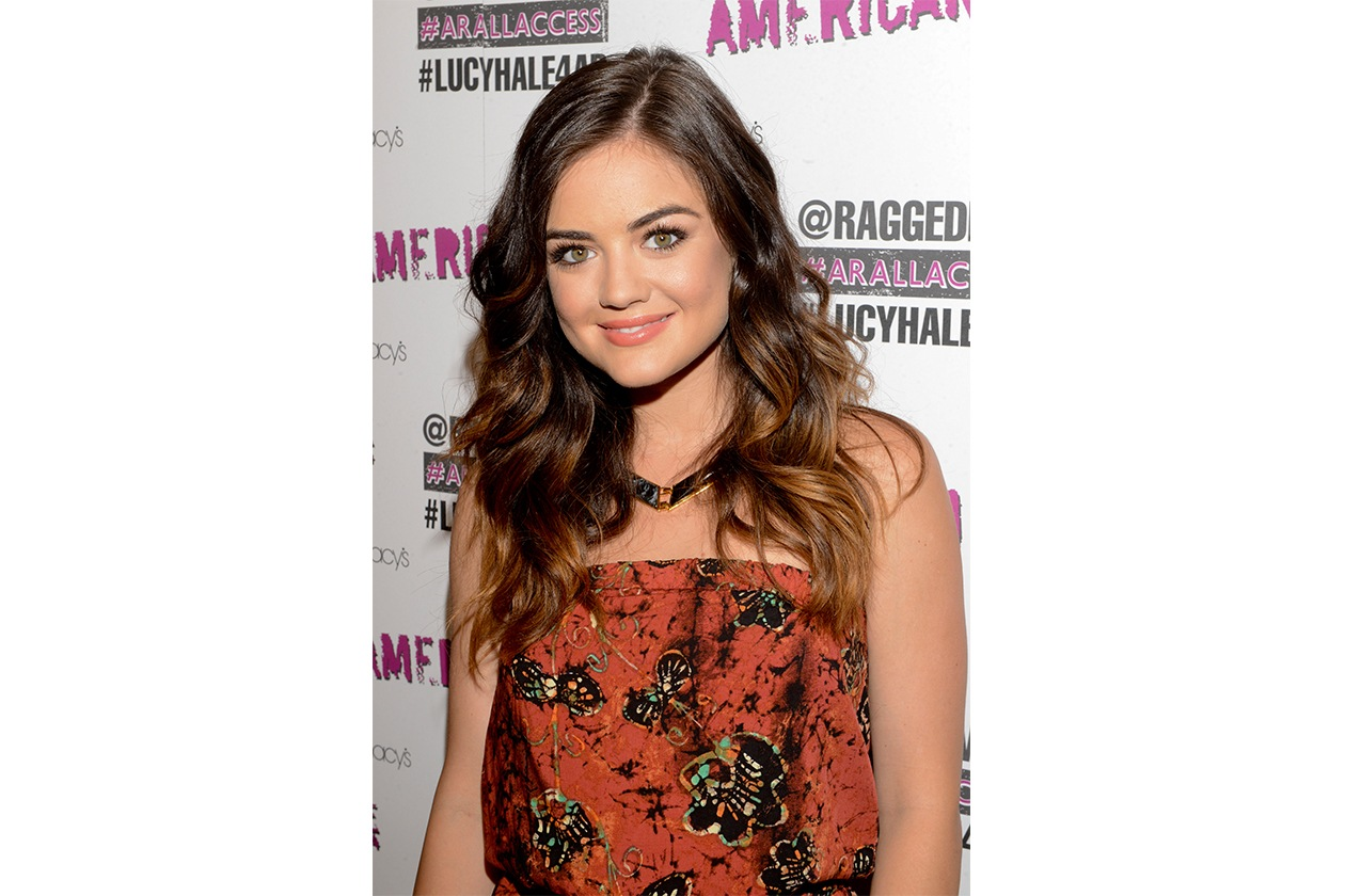 Lucy Hale capelli: effetto luce
