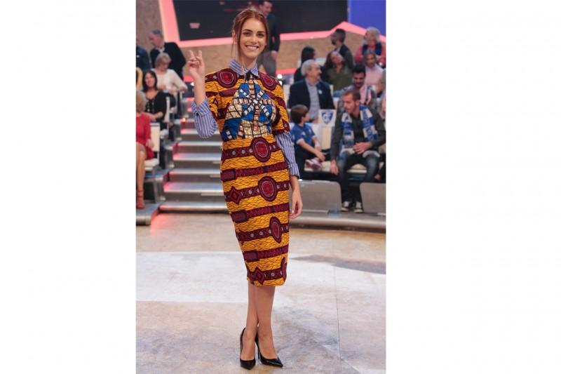 Miriam leone: Estrosa in abito stampato