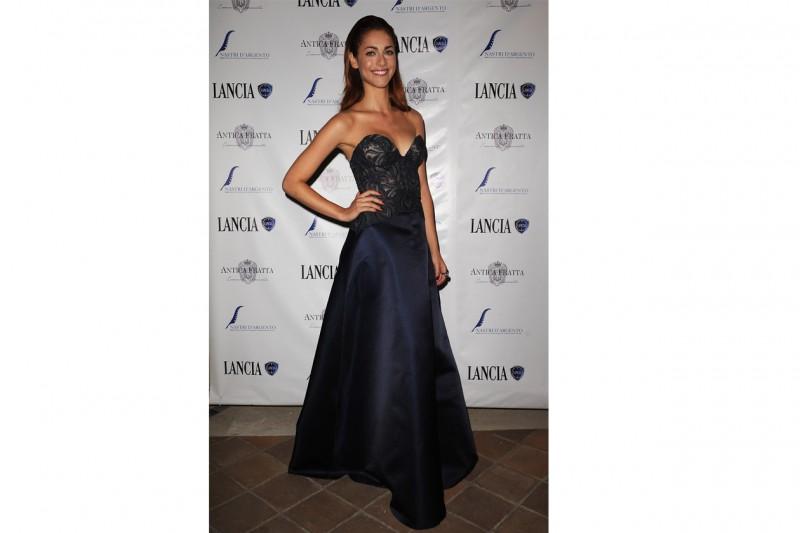 Miriam leone: In abito lungo per una serata di gala