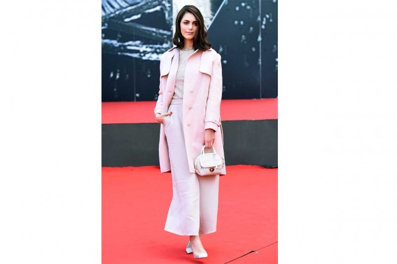 Miriam leone: In outfit pastello