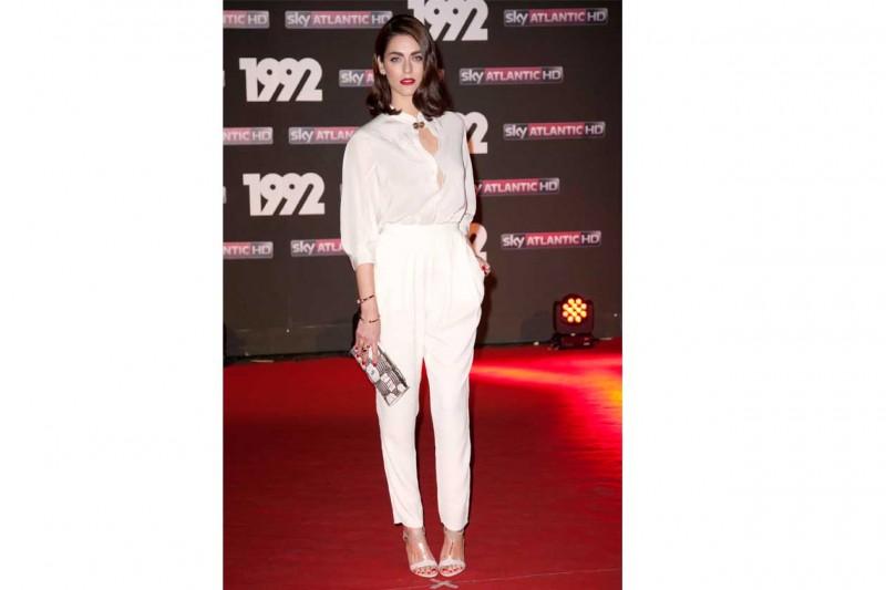 Miriam leone: In total white