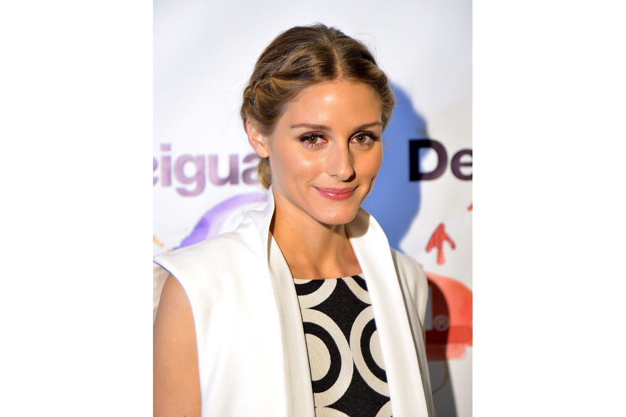 Olivia Palermo capelli: raccolto con trecce laterali alla francese