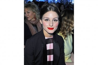 Olivia Palermo trucco: rossetto rosso e eyeliner