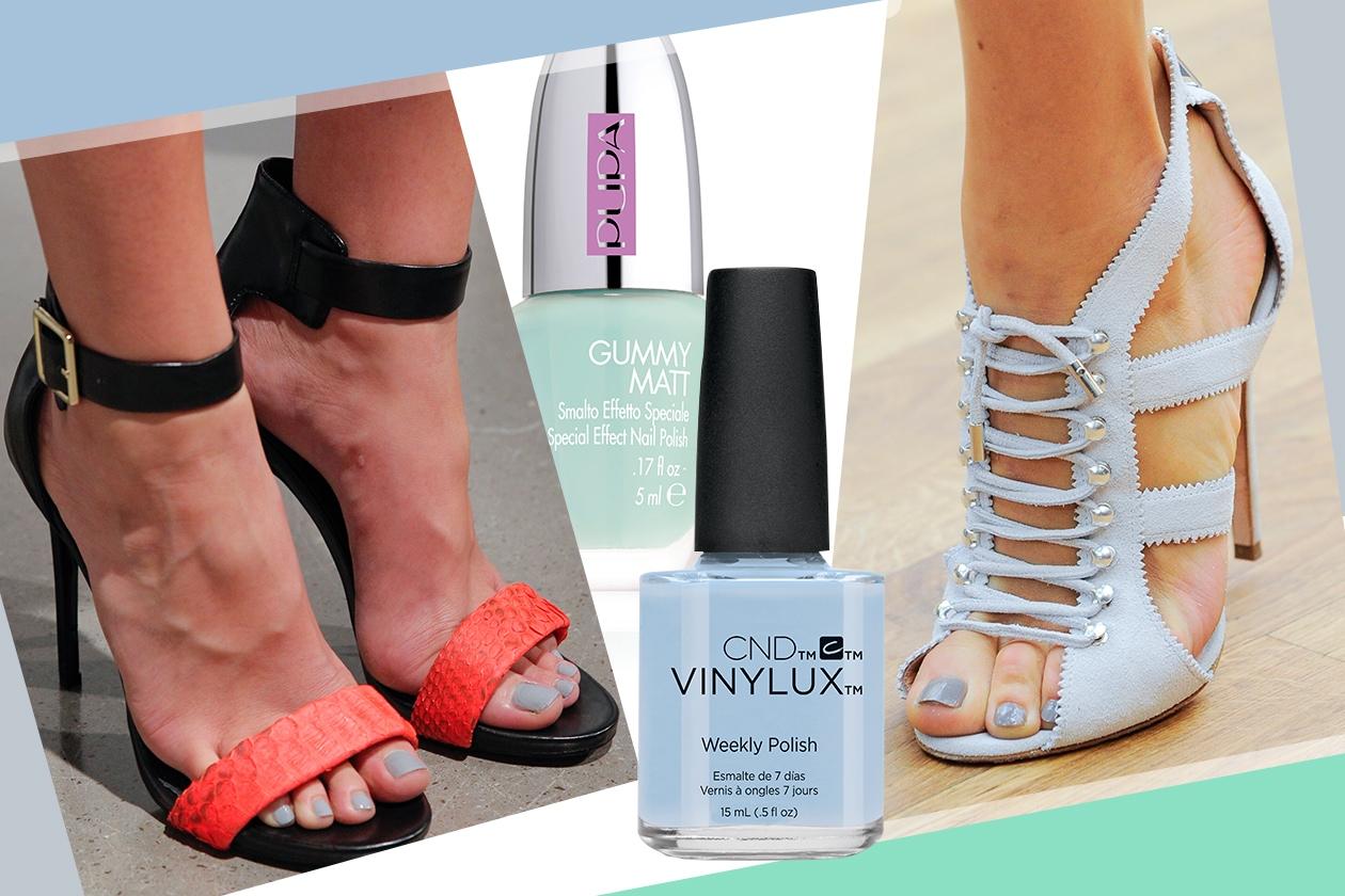 Tendenze smalti piedi per l'Estate 2015: azzurro pastello