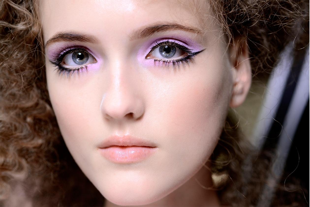 Trucco occhi pastello: smokey eyes lilla