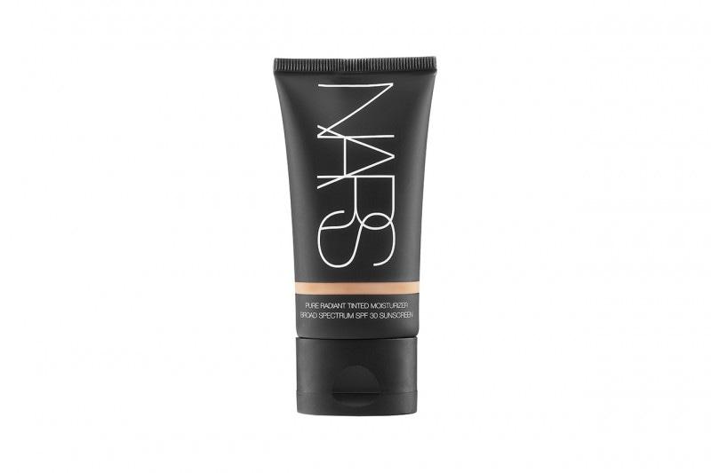 Fondotinta per la pelle secca: Nars Pure Radiant Tinted Moisturizer