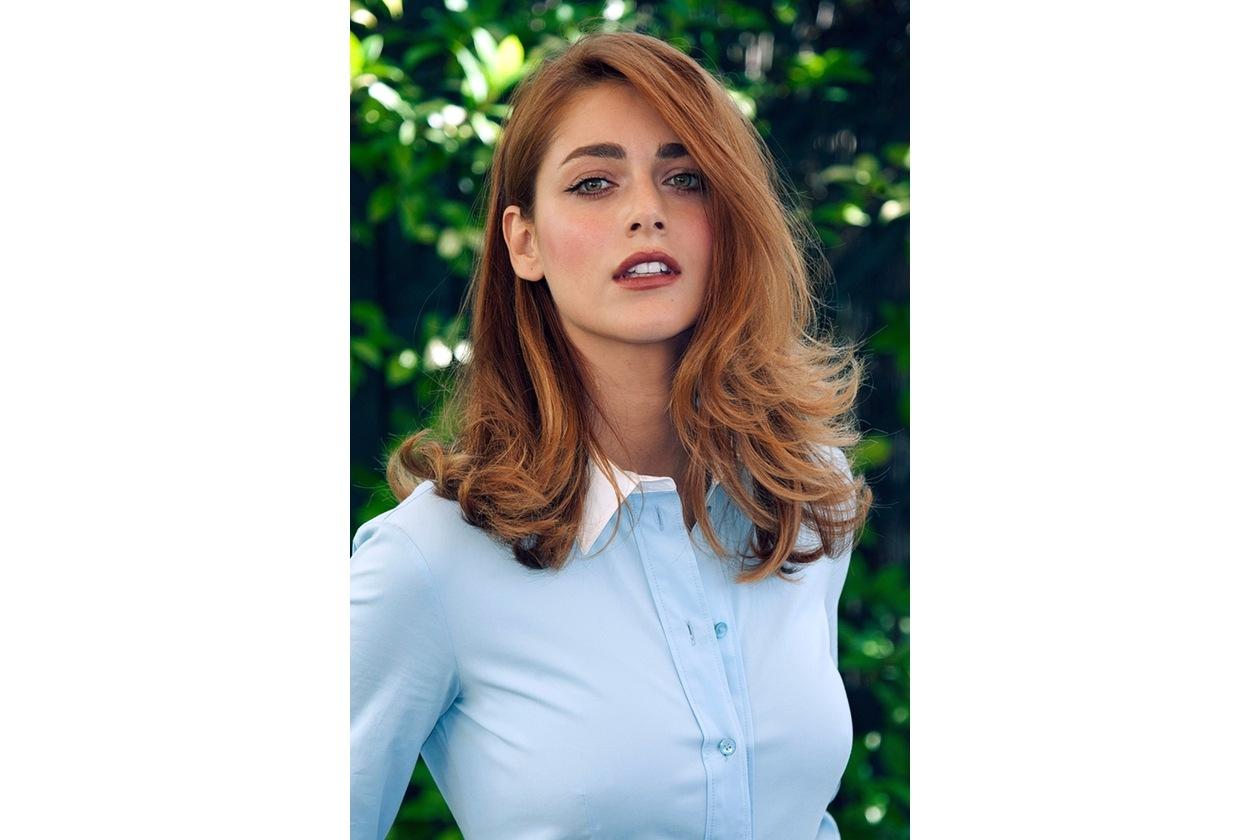Miriam Leone capelli: lunghezze vaporose e riga laterale