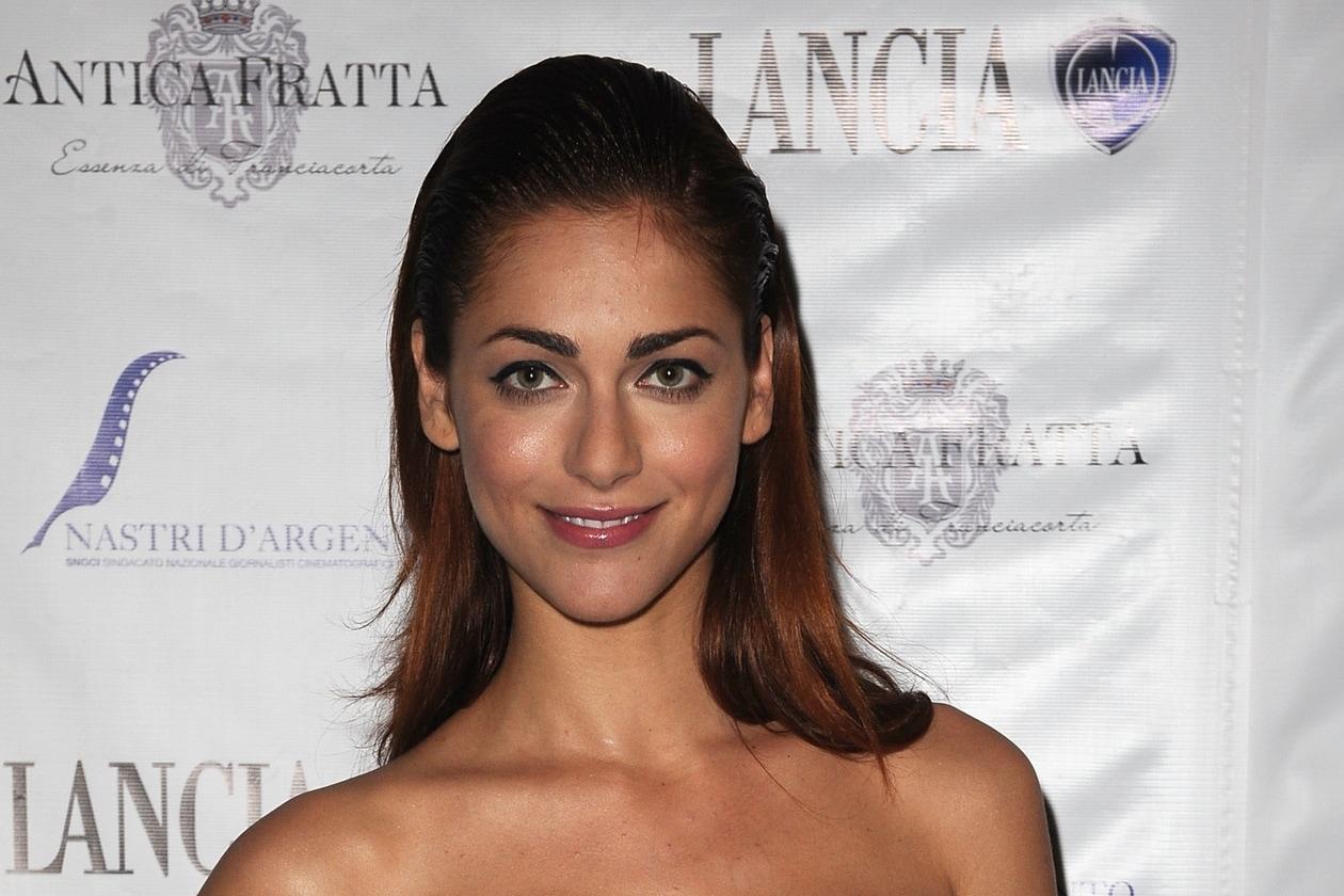 Miriam Leone capelli: effetto sleek