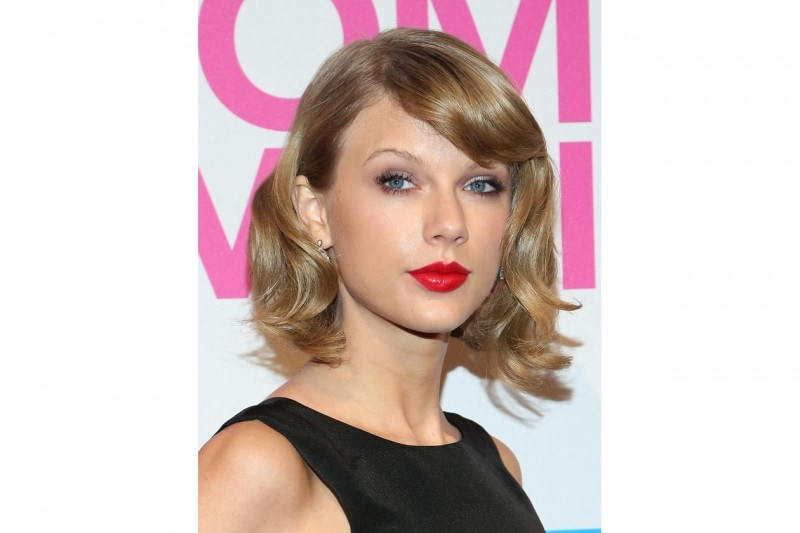 TAYLOR SWIFT MAKE UP: ROSSETTO ROSSO