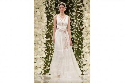Abiti da sposa: i modelli con scollatura a V