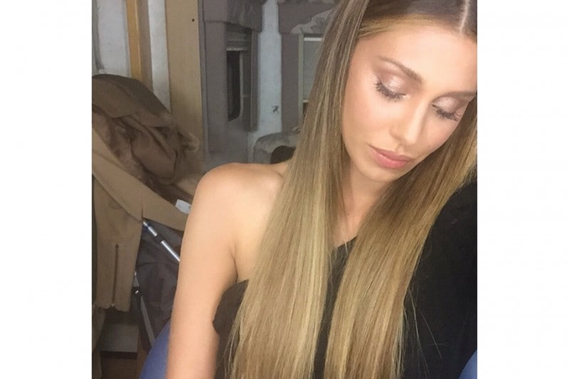 Belen Rodriguez trucco: smokey eyes taupe oro