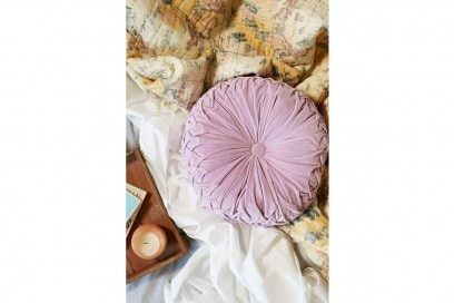 Cuscini e tappeti in quantità