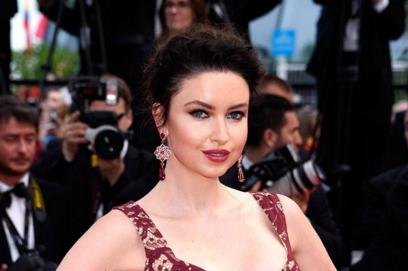 Cannes 2015 trucco e capelli: Emma Miller