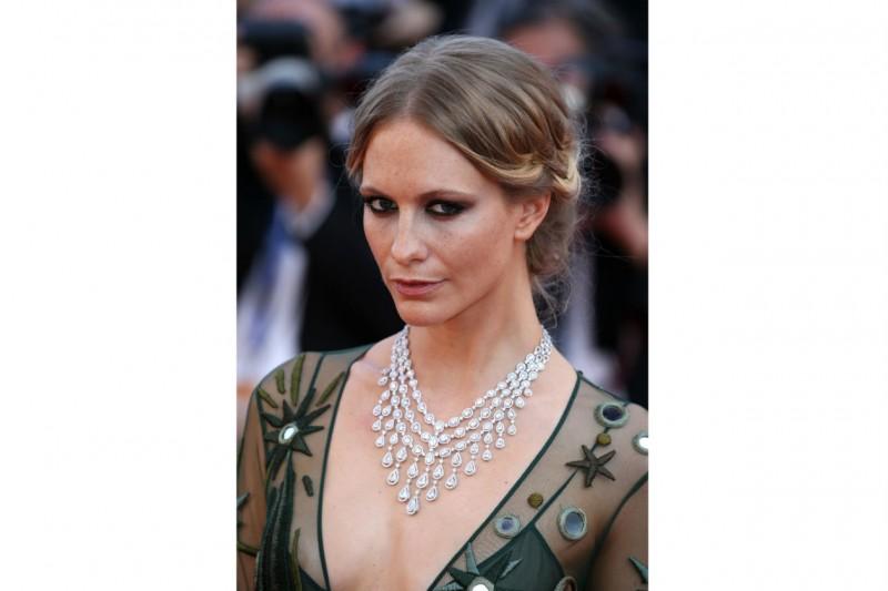 Cannes 2015 trucco e capelli: Poppy Delevingne