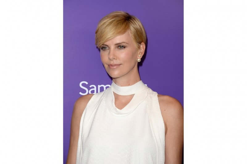 Charlize Theron trucco: glowing skin