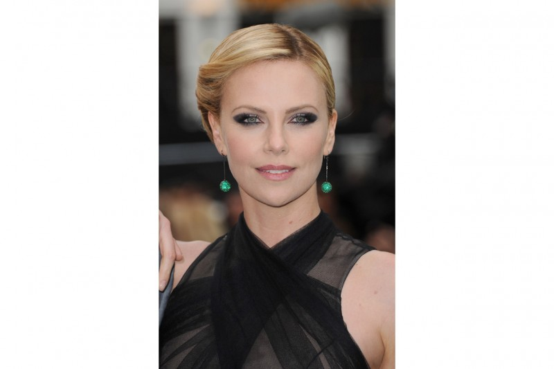 Charlize Theron trucco: smokey eyes