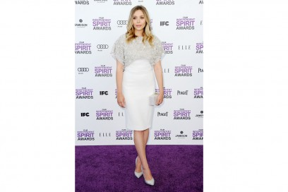 Elizabeth Olsen: in total white sul red carpet