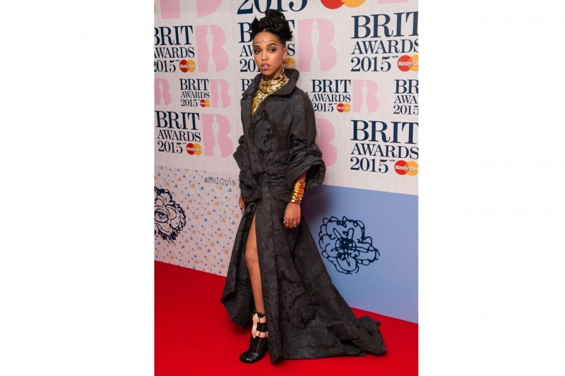 FKA Twigs: make-up tribal e gioielli etnici
