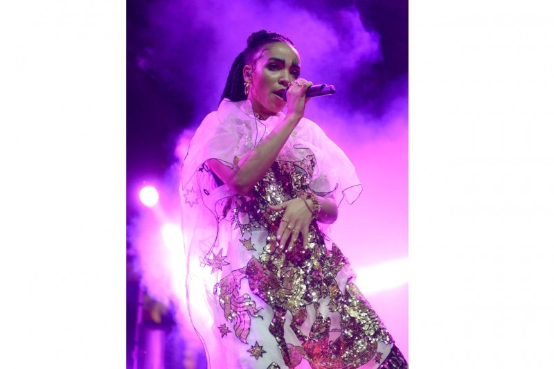 FKA Twigs in Craig Green al Coachella
