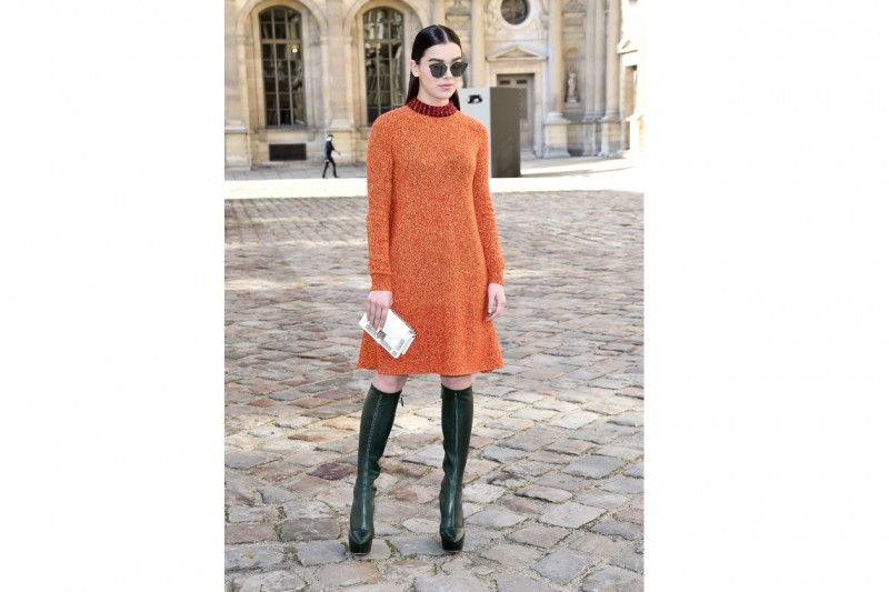 Hailee Steinfeld: easy-chic in Christian Dior