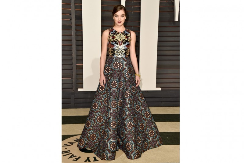 Hailee Steinfeld: in abito ad effetto tapestry