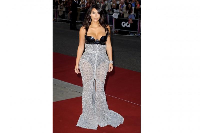Kim Kardashian: in look fetish-chic