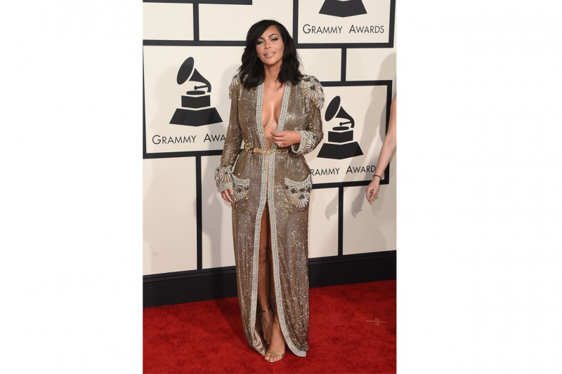 Kim Kardashian: in maxi tunica vedo non vedo