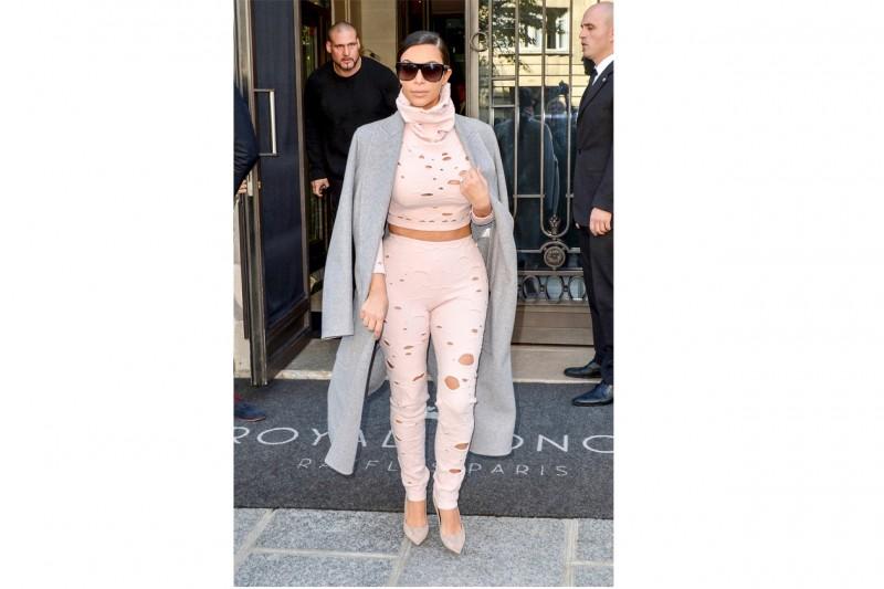 Kim Kardashian: in swiss cheese style