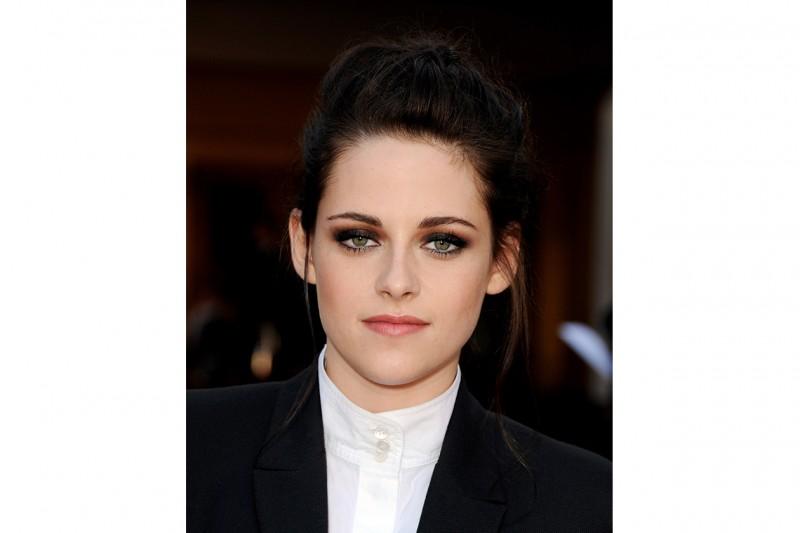 Kristen Stewart trucco: smokey eyes nero e marrone