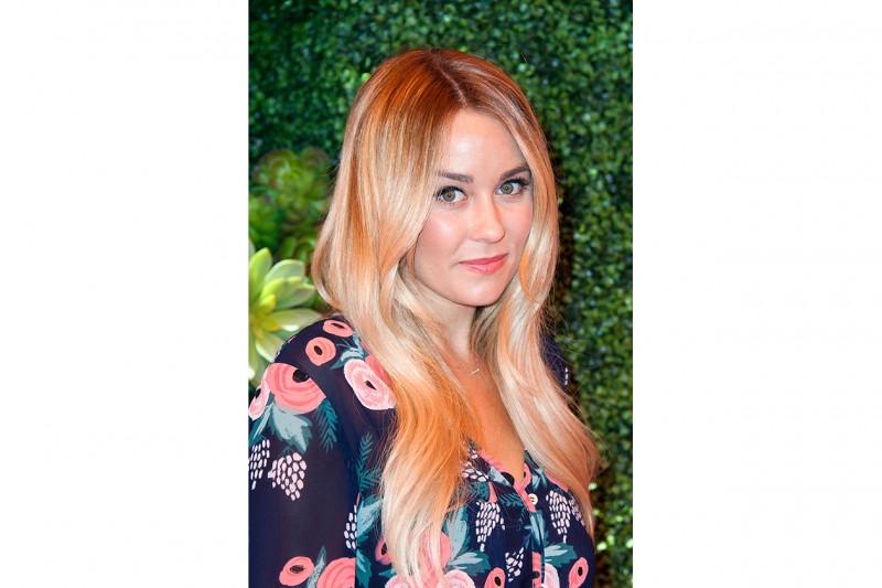 Lauren Conrad capelli: capelli sciolti luminosi