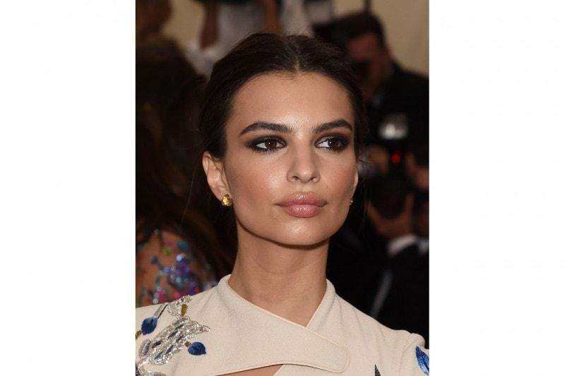 MET Gala 2015 Beauty Look: Emily Ratajkowski