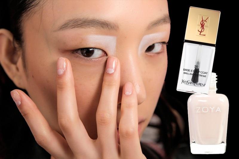 Nail art: Nude Moon Manicure