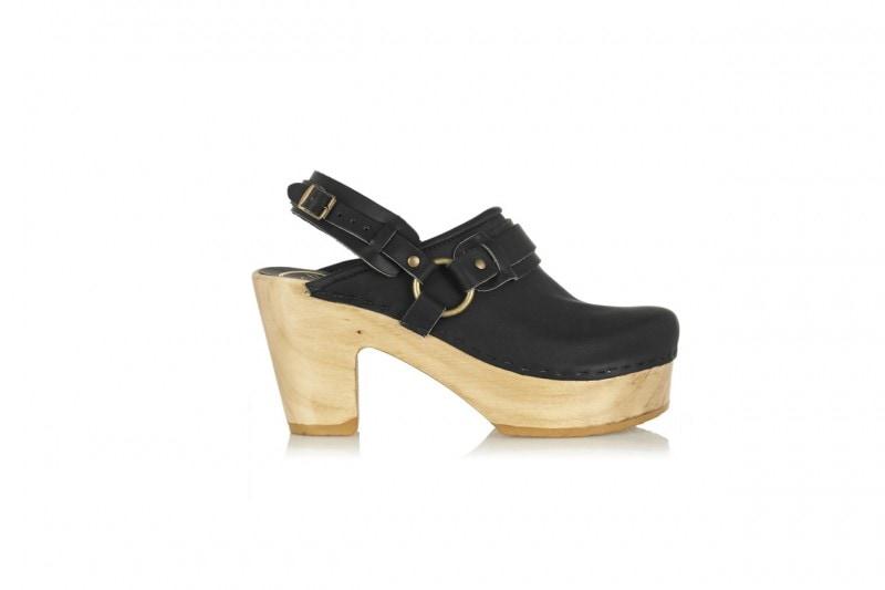Pantaloni a zampa e scarpe: NO.6 STORE
