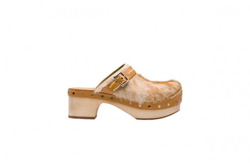 Pantaloni a zampa e scarpe: PRADA