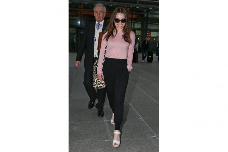 Pantaloni della tuta: Emilia Clarke