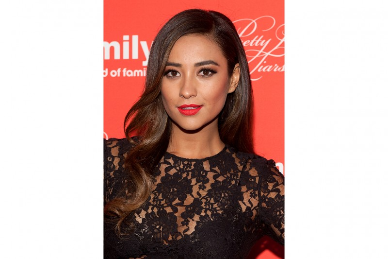 Shay Mitchell capelli: punte mosse
