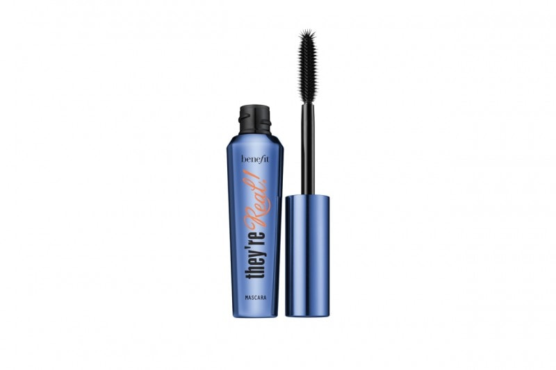 Trucco blu: They're Real Mascara in Blue di Benefit