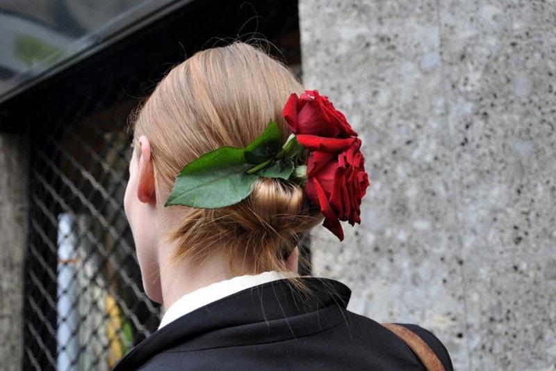 ACCESSORI CAPELLI: LE ROSE ROSSE DI DOLCE&GABBANA