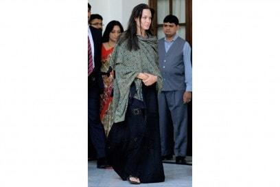 angelina jolie: in un costume tradizionale indiano