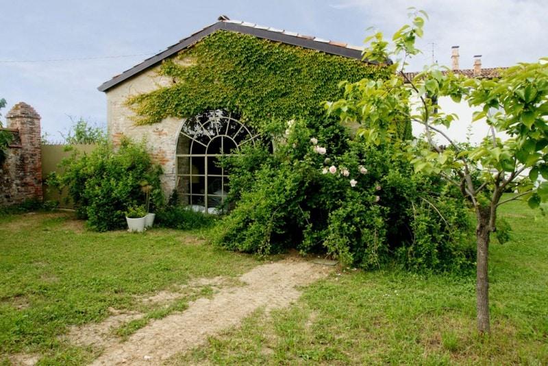 Case Di Campagna Colline Piacentine : La casa sulle colline piacentine della designer marina sinibaldi