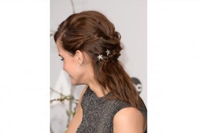 Emma Watson capelli: stelline per il semiraccolto