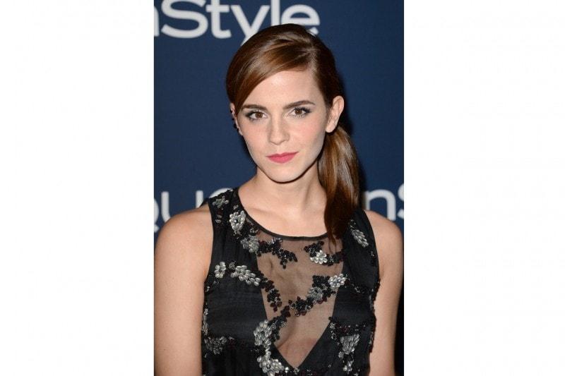 Emma Watson capelli: raccolto laterale