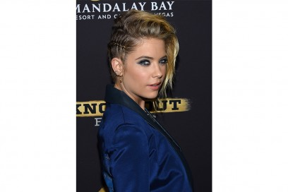 Ashley Benson capelli: raccolto rock
