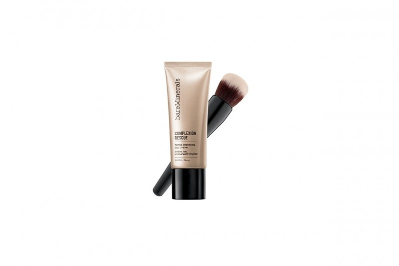 BEAUTY ROUTINE VISO IN ESTATE: CREARE UNA BASE LEGGERA E PERFETTA CON COMPLEXION RESCUE DI BARE MINERALS