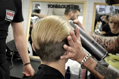 Backstage Antonio Marras: capelli in ordine