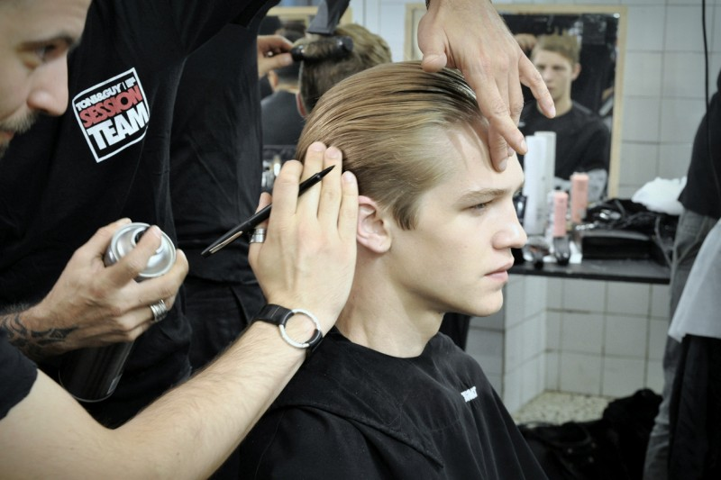 Backstage Antonio Marras: l'hairstyling